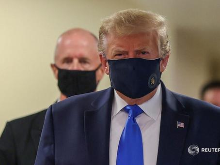 [首次]特朗普终于戴上了