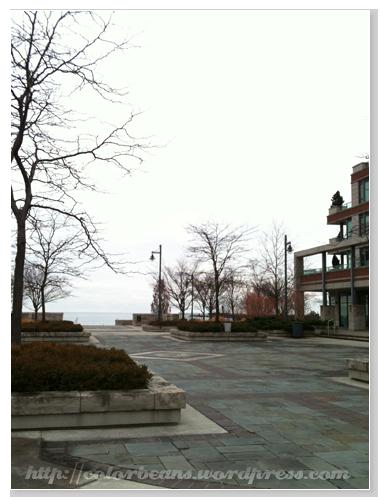 前方就是Lake Ontario摟