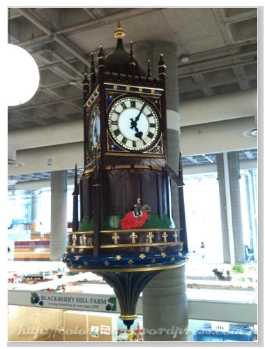 天花板的大鐘