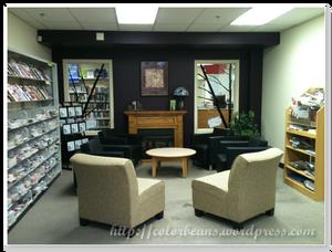 Cooksville Library 的小沙發區