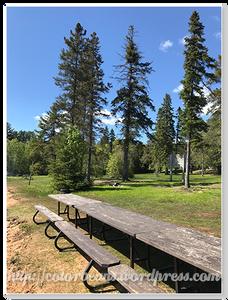 湖邊可以野餐