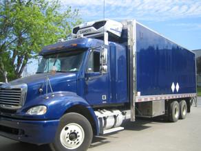 Freightliner and UN0100.jpg