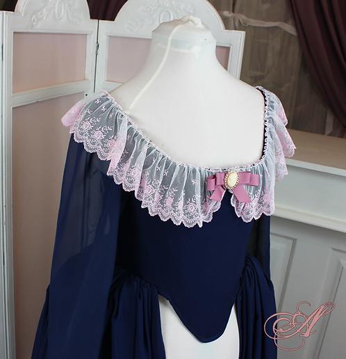 Robe de mariée coupe XVIIIe ouverte