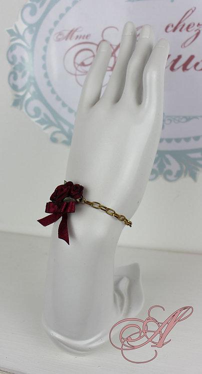 Bracelet fleur avec chaînette