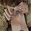 Thumbnail: Col fausse fourrure à broche de fleur brodée