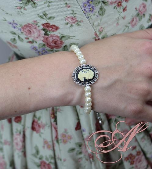 Bracelet camée et perles support nickel