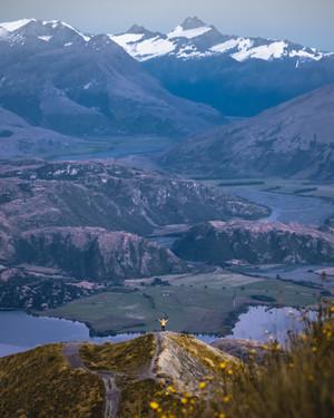 Roy'z Peak Looking to Mt Cook.jpg