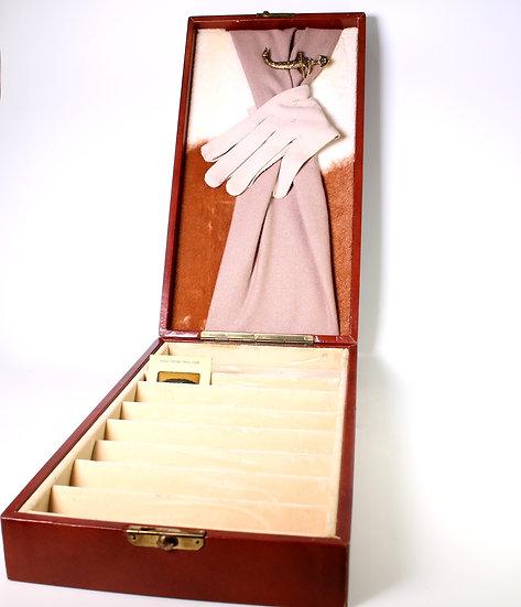 Cabinet 16, Drawer14