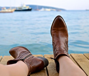 boots-828975_1920.jpg