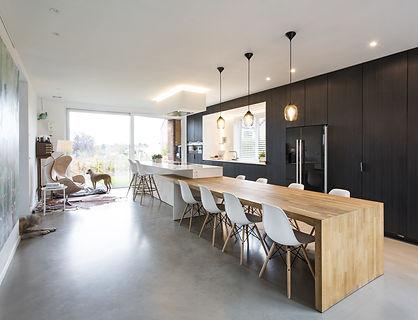black & white minimalistic kitchen with