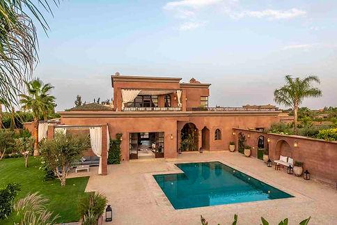 agence immobilière corner marrakech offre des locations pour vos vacances. Villa avec piscine, maison de campagne, tout l'immobilier dans la ville de Marrakech au Maroc.