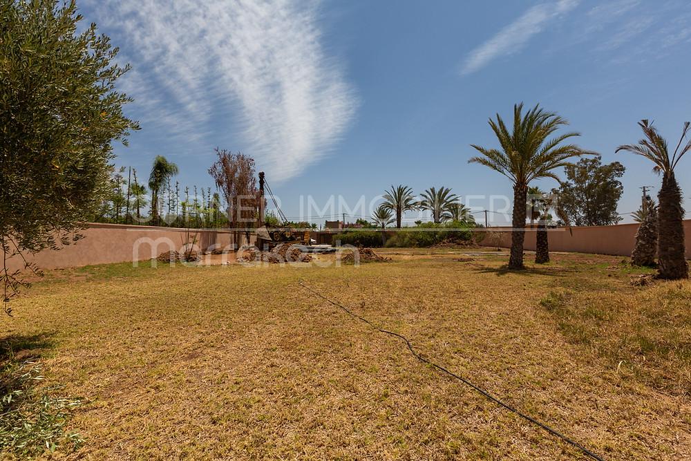 Vous avez un projet d'investissement immobilier ? Comment trouver un terrain pour bâtir une villa à Marrakech, nous allons vous donner des pistes pour acheter un terrain au bon prix à Marrakech.