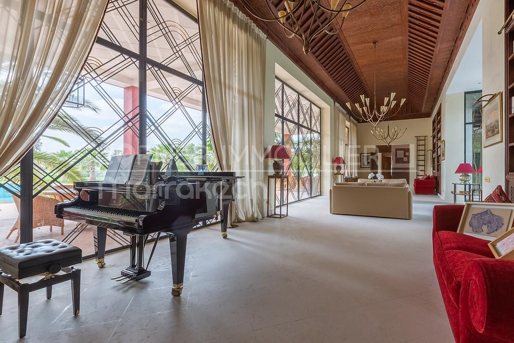 A vendre à Marrakech au Maroc, palais de 3500 m² sur un parc de 2 hectares.