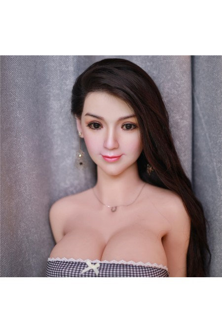 Nana 161cm (Cabello Implantado)
