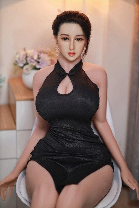 Chloe 171cm (Cabello Implantado)