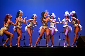 spectacle Cabaret danseuses