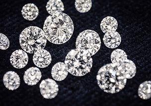 厳選されたダイヤモンド.jpg