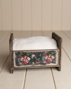 Floral wood bed
