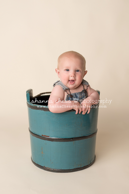 Blue wood bucket