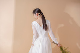 Puff sleeve dress / Nuance