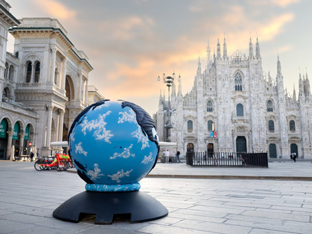 """Piazza Duomo, ecco l'anteprima della mostra """"WePlanet: 100 globi per un futuro sostenibile"""""""