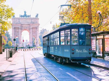 """Lo storico tram di Milano diventa una sala """"sensoriale"""" con cucina: il progetto """"My Senses"""""""