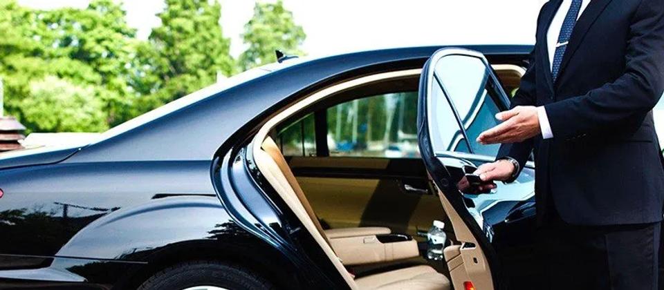 Chauffeur-2880w.webp