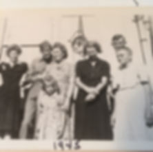 Annie and family 1945.JPG
