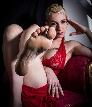 Mistress Roma, Padrona Roma, Dominatrice, doppia sessione, feticismo e adorazione piedi