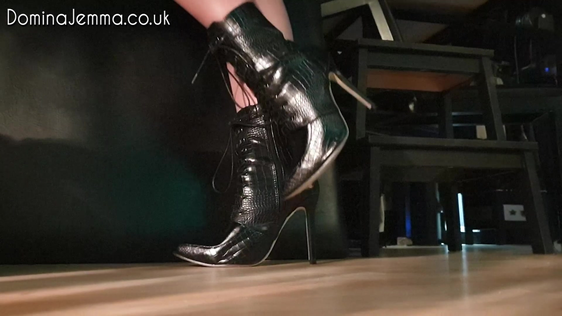 Leather Ankle Boots Tease