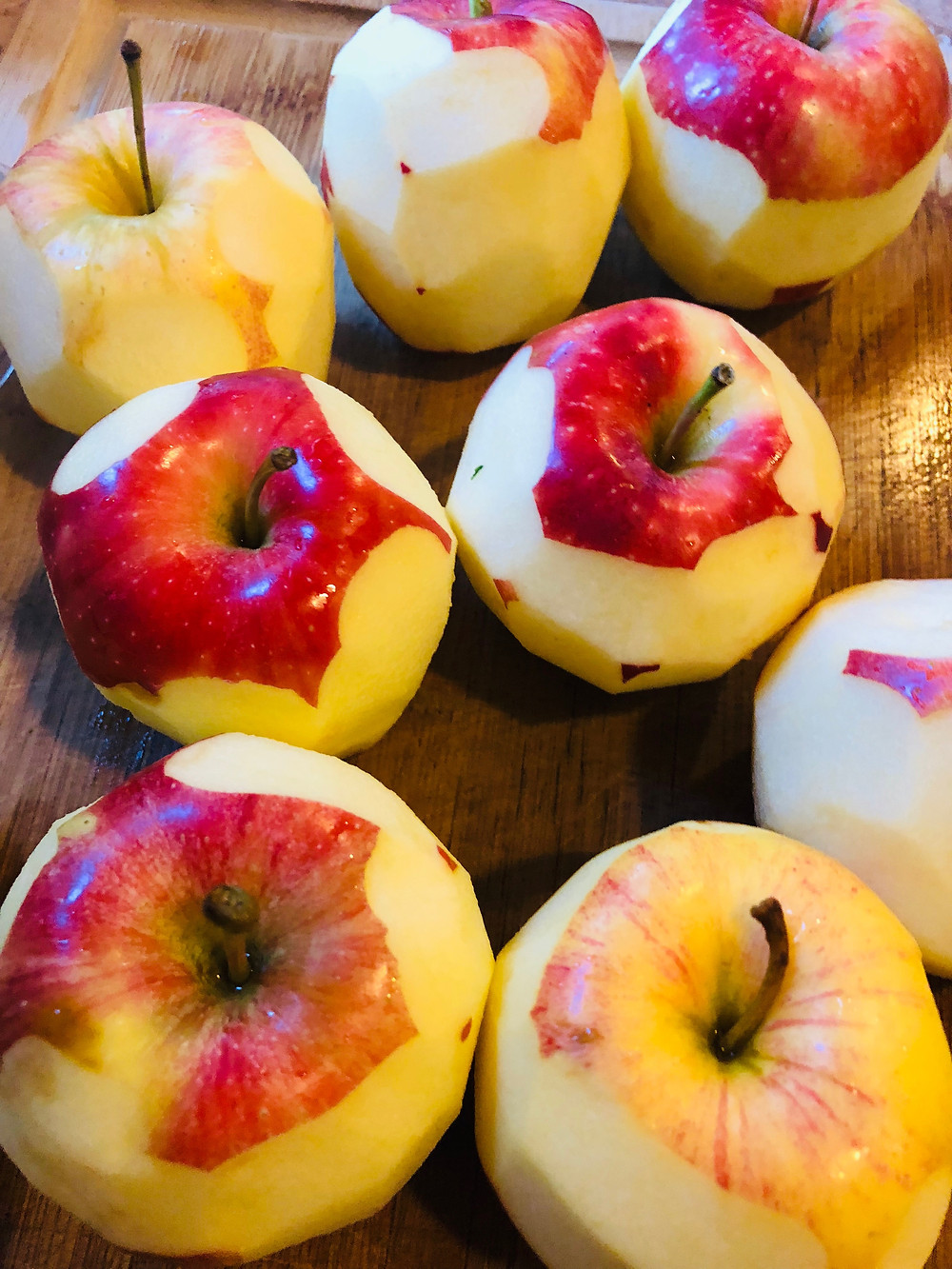 organic red apples peeled for applesauce healthy sugar free