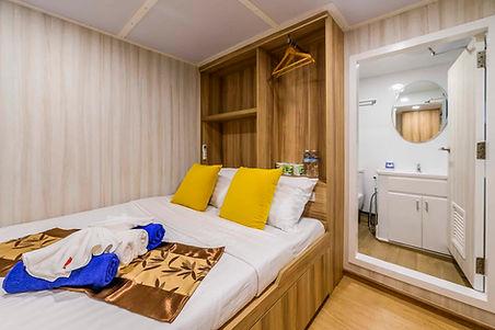 Double Ocean Front cabin.JPG