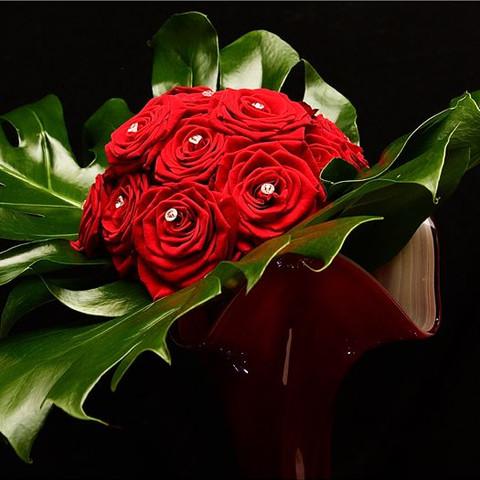 A Superb Flower Arrangement - A Flower Arrangement Shot Taken In Pitch Back With A Flash Beam