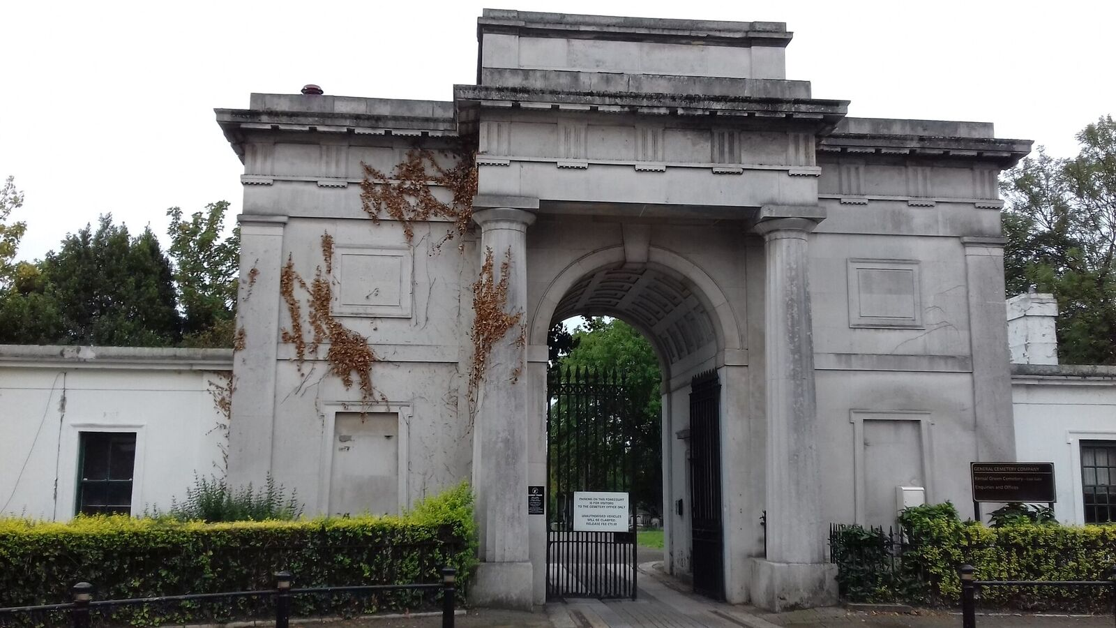 ENTRANCE TO KENSAL GREEN CEMETERY