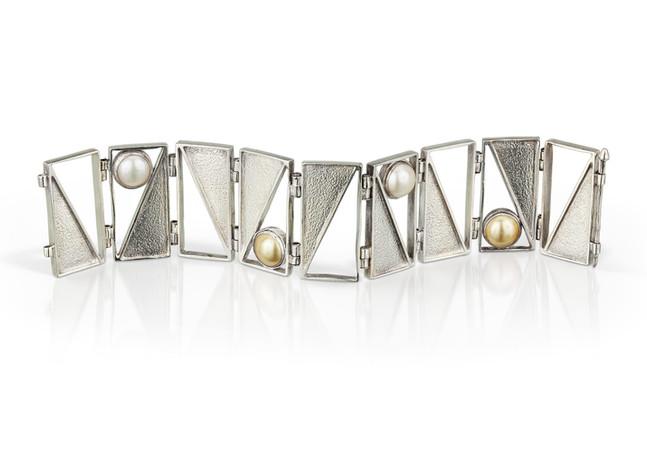 Captured Triangle Bracelet Pearls
