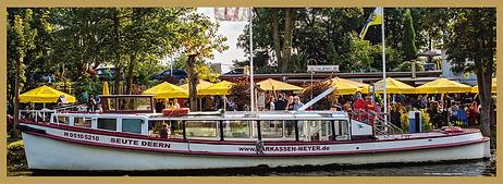 Eine Kombination aus Festessen im Restaurant Zum Anleger und einer Barkassenfahrt  zum Hafenfeuerwerk!