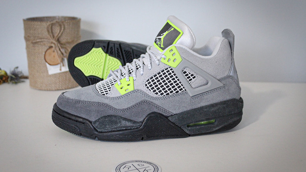 Air Jordan 4 Retro SE GS  Neon 95