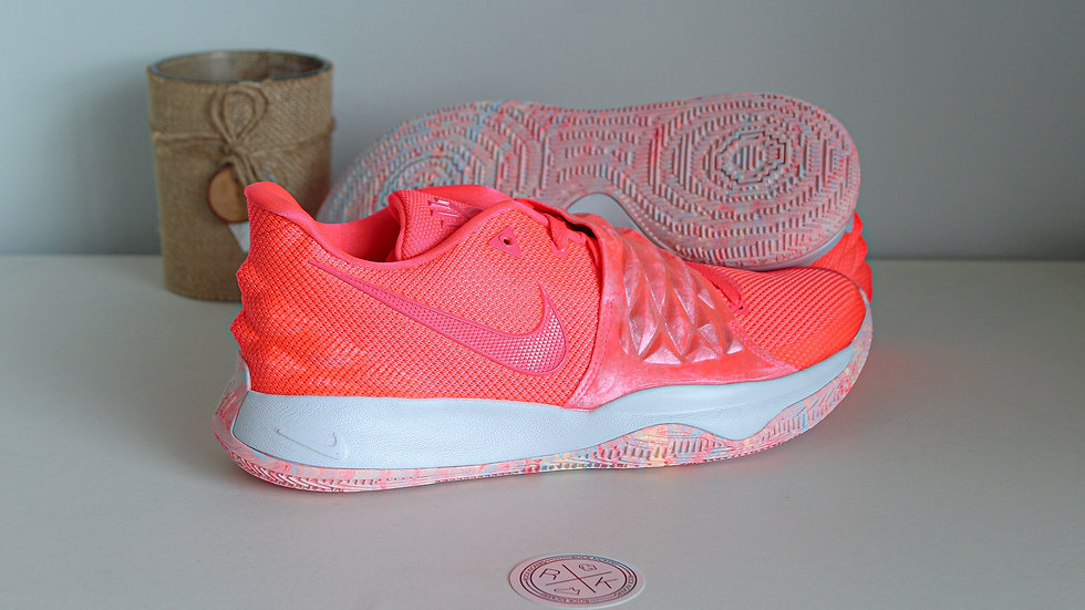 Nike Kyrie Low Hot Punch