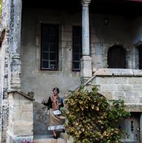 Maison cannoniale, guide en costume