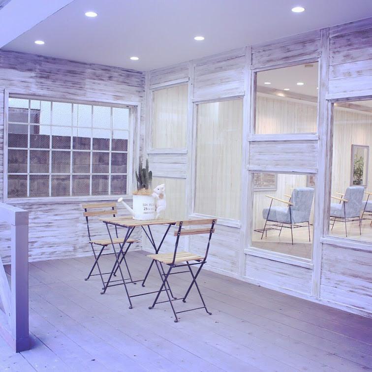 美容室 サロンのファサード