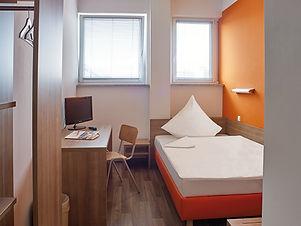 OrangeHotel_EZ_Standard.jpg