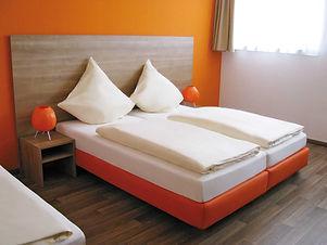 OrangeHotel_DZ.jpg