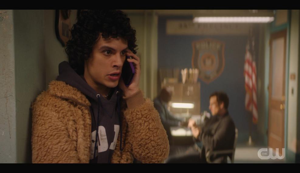 KK-Caps-1x11-Who-Can-I-Turn-To-68-Jorge.
