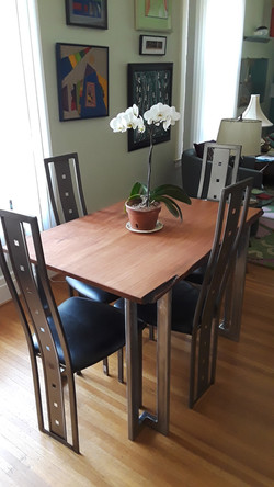 Table Chairs.jpg