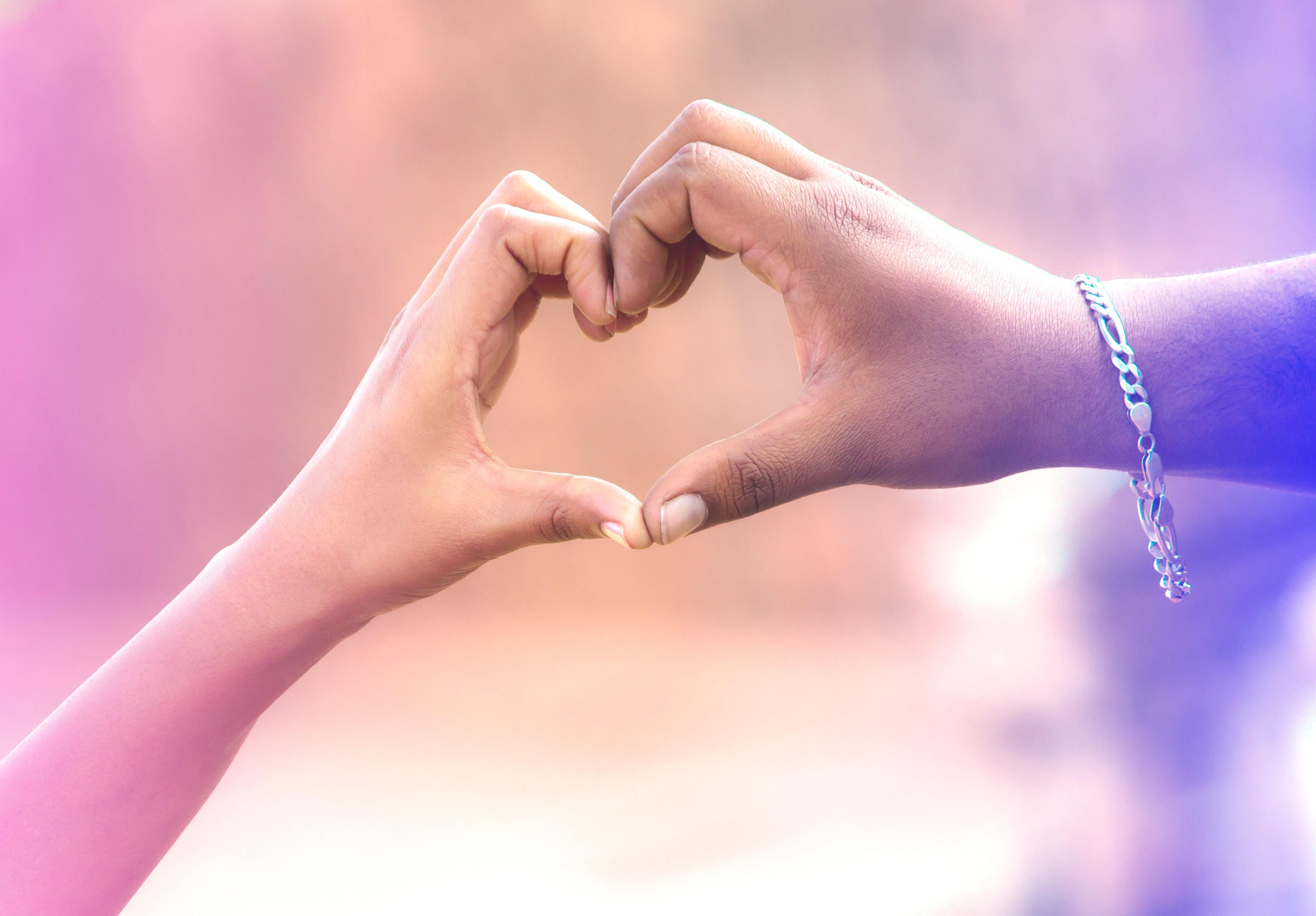 hands-heart-love-582048