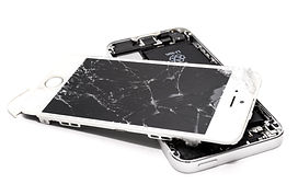 wrecked-iphone-1388947.jpg