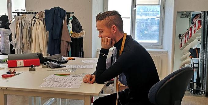 Samuel studerar modedesign på Beckmans