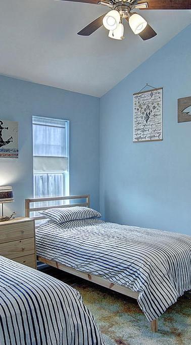 main house guest bedroom.jpg