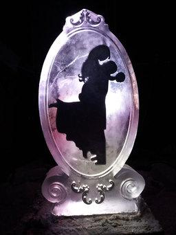 Silhouette Wedding Ice Sculpture/luge