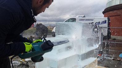 Live Ice Sculpture Cutty Sark